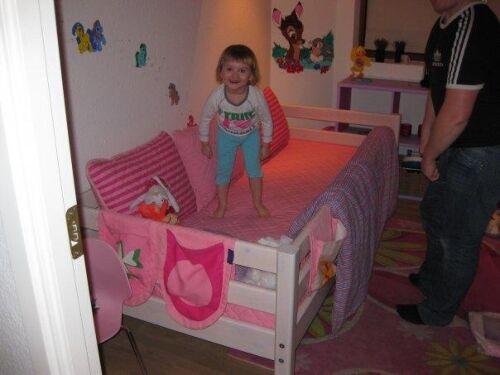 Hvilke seng til 5 årig? højseng????   ve, ble og det der følger ...